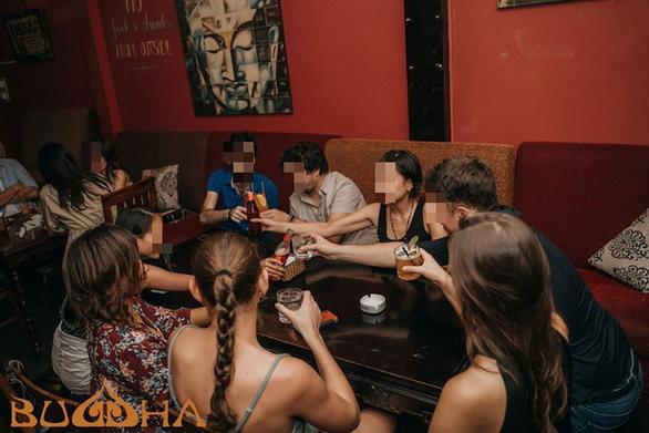 Xác minh được 155 người tham dự buổi tiệc tại quán bar Buddha - Ảnh 1.