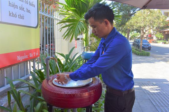 Sáng kiến làm máy rửa tay phun sương diệt khuẩn nơi công cộng - Ảnh 4.