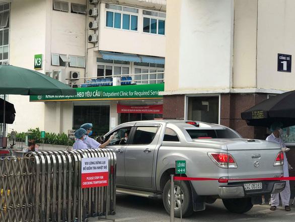 Bộ Y tế thông báo khẩn tìm người từng đến 6 quán ăn, phòng khám, siêu thị ở Hà Nội và TP.HCM - Ảnh 1.