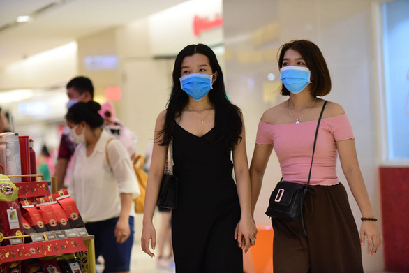 Bí thư Nguyễn Thiện Nhân đề nghị cưỡng chế đeo khẩu trang khi ra đường - Ảnh 1.