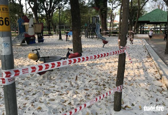 TP.HCM ngưng hoạt động các khu tập thể dục, khu trò chơi thiếu nhi tại công viên - Ảnh 1.