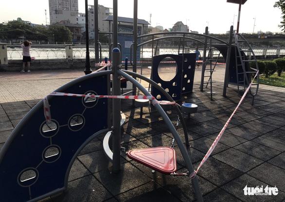 TP.HCM ngưng hoạt động các khu tập thể dục, khu trò chơi thiếu nhi tại công viên - Ảnh 3.