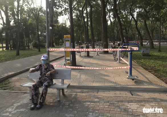 TP.HCM ngưng hoạt động các khu tập thể dục, khu trò chơi thiếu nhi tại công viên - Ảnh 7.