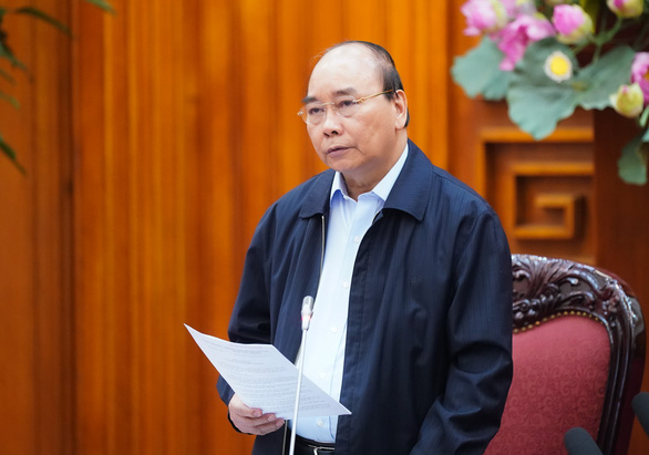Thủ tướng: Tạm dừng mọi hoạt động hội họp, tập trung trên 20 người - Ảnh 1.