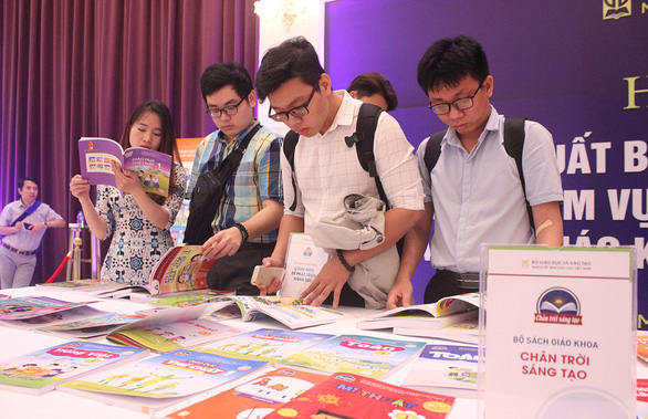 TP.HCM công bố tiêu chí chọn sách giáo khoa mới - Ảnh 1.