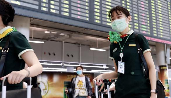 Tiếp viên hàng không Singapore phải tìm việc làm thêm giữa dịch COVID-19 - Ảnh 2.