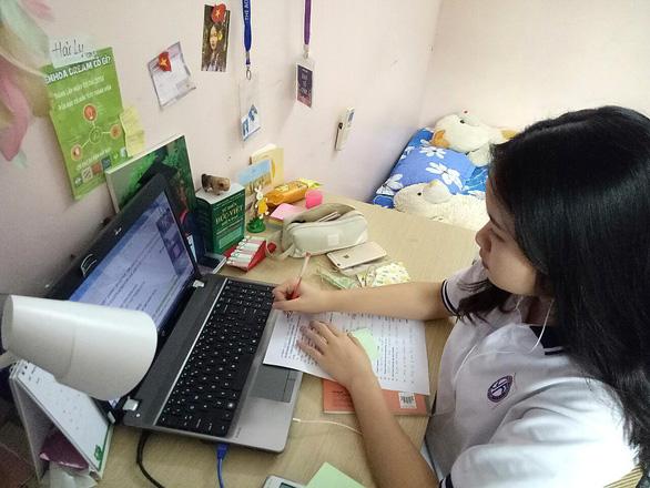 Bài kiểm tra thường xuyên qua Internet và truyền hình có thể thay thế kiểm tra trên lớp - Ảnh 1.
