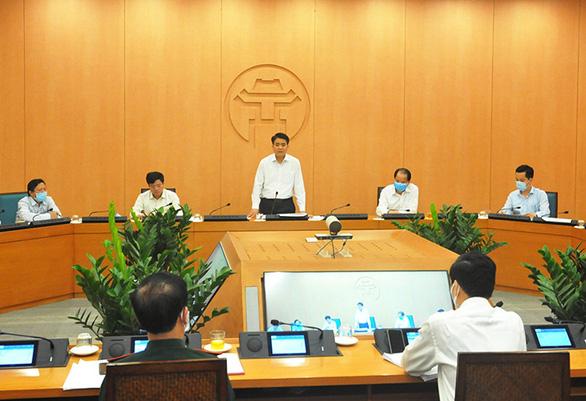 Chủ tịch Hà Nội: 'Dương tính lần 1 cũng phải cách ly ngay. Sai tôi chịu' - Ảnh 1.