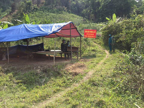 Quảng Nam đóng tất cả cửa khẩu biên giới Việt - Lào, lập 15 điểm chốt chặn - Ảnh 1.
