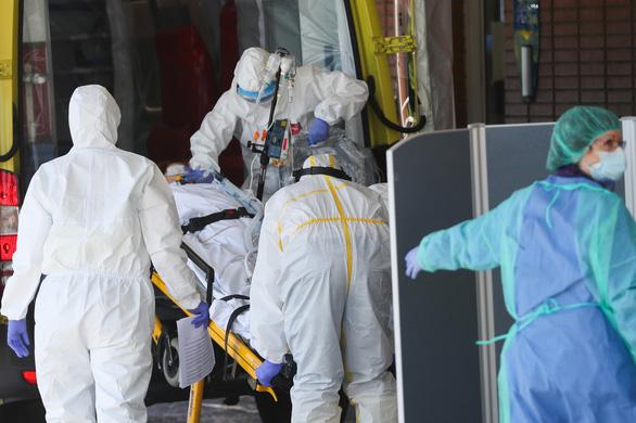Dịch COVID-19 tối 27-3: Thủ tướng, bộ trưởng Y tế Anh cùng nhiễm bệnh - Ảnh 3.