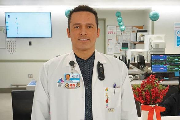 Hàng ngàn y, bác sĩ nghỉ hưu ở New York tình nguyện tham gia chống dịch - Ảnh 2.