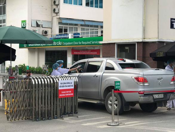 Chủ tịch Hà Nội: 'Có lây nhiễm chéo COVID-19 trong bệnh viện Bạch Mai' - Ảnh 1.