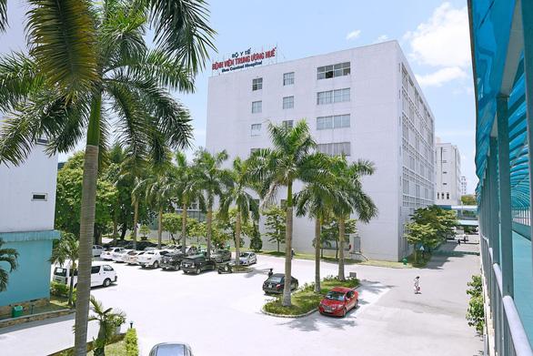 Cấm việc thăm bệnh tại Bệnh viện Trung ương Huế - Ảnh 1.