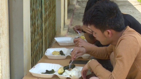 Thanh Hóa nâng tiền ăn cho người cách ly tập trung lên 80.000 đồng/ngày - Ảnh 1.