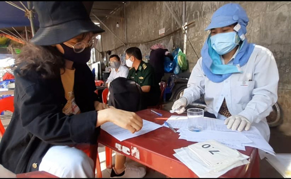 Về quê bị sốt, 2 người được cách ly thòi ra dương tính với ma túy - Ảnh 1.