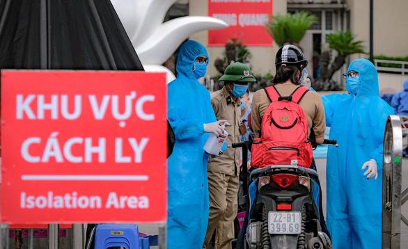 Phong tỏa tạm thời một khoa của Bệnh viện Xanh Pôn - Ảnh 1.