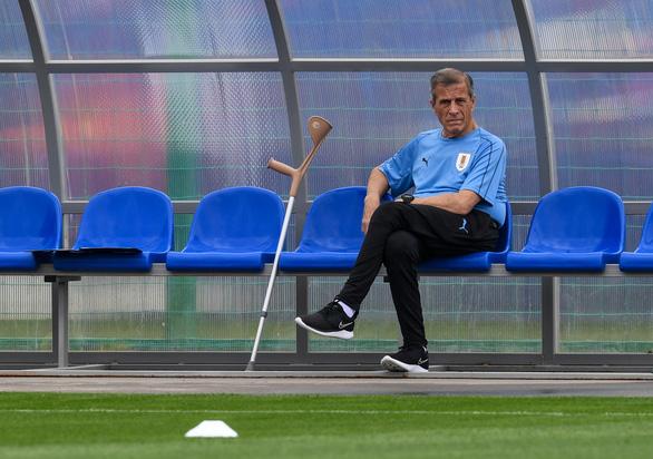 HLV Oscar Tabarez mất việc ở tuyển Uruguay sau 14 năm gắn bó vì COVID-19 - Ảnh 1.