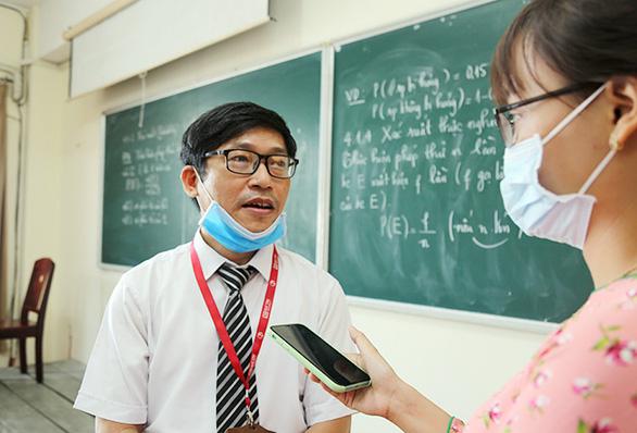 Sinh viên Duy Tân phòng chống dịch COVID-19 trong ngày đầu trở lại trường - Ảnh 14.