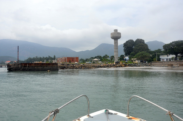 Sửa sai cho công trình cảng gây mất mỹ quan ở Côn Đảo - Ảnh 1.