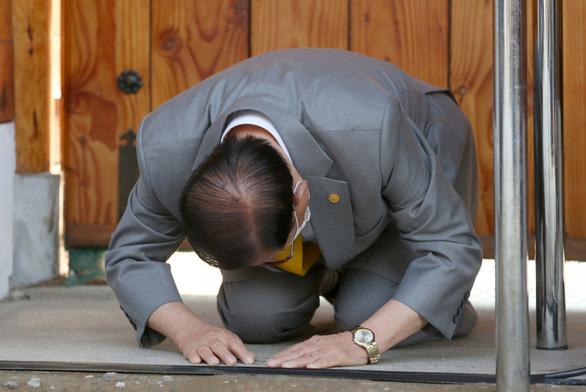 Giáo chủ Tân Thiên Địa vẫn từ chối xét nghiệm công khai COVID-19 - Ảnh 1.