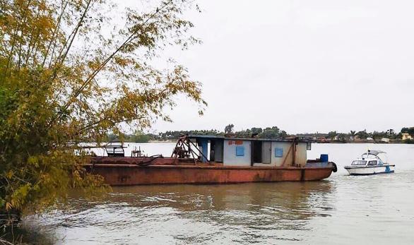 Bắt nhóm thanh niên liều lĩnh trộm tàu thủy 400 tấn - Ảnh 1.