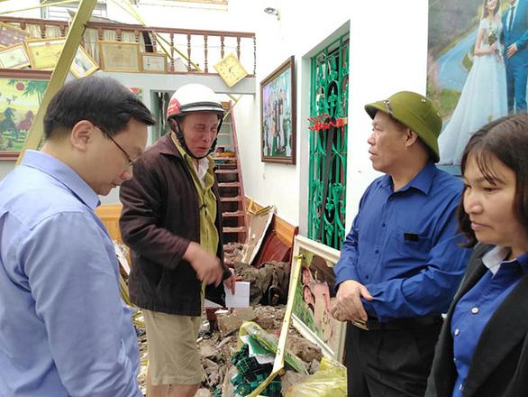 2.700 nhà dân tan hoang do mưa đá và dông tại các tỉnh phía Bắc - Ảnh 1.