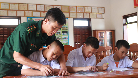 12-11- cheo neo gieo chu noi mien bien-anh 1 2(read-only)
