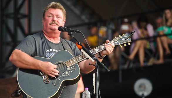 Huyền thoại nhạc đồng quê Joe Diffie qua đời do COVID-19 - Ảnh 1.