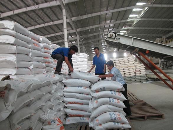 Chỉ cho phép xuất khẩu 400.000 tấn gạo trong tháng 4 - Ảnh 1.