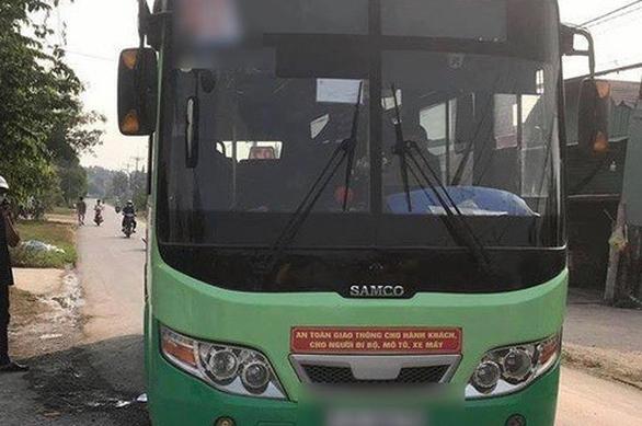 Nữ nhân viên xe buýt ở Củ Chi bị đâm trên xe, chết khi cấp cứu - Ảnh 1.