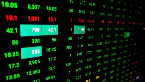 VN-Index bật tăng trở lại khi chứng khoán thế giới xanh rực rỡ - Ảnh 1.