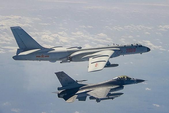 Đài Loan cảnh báo Trung Quốc đừng lợi dụng COVID-19 phiêu lưu quân sự - Ảnh 1.