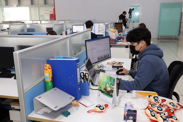 Nhiều doanh nghiệp, địa phương thiếu lao động nước ngoài vì COVID-19 - Ảnh 2.