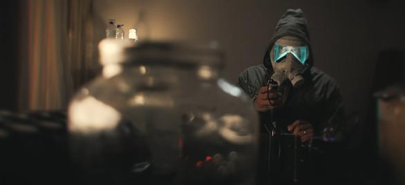 Cách ly tại nhà, đạo diễn Bồ Đào Nha làm phim viễn tưởng về đại dịch - Ảnh 1.