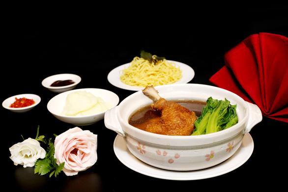 Khách sạn linh hoạt kinh doanh ẩm thực thời COVID-19 - Ảnh 9.