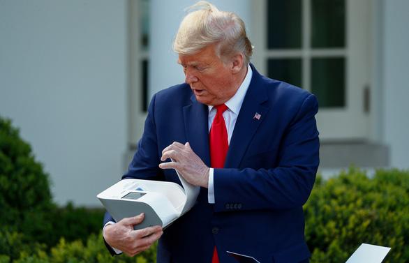 Ông Trump: Đã xét nghiệm được 1 triệu người, tiếp tục siết việc đi lại - Ảnh 1.