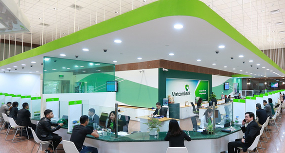 Vietcombank giảm lãi cho hơn 112.000 tỉ đồng bị ảnh hưởng COVID-19 - Ảnh 1.