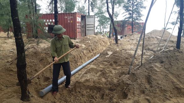 Phạt doanh nghiệp đặt 130 thùng container ở rừng phòng hộ 70 triệu đồng - Ảnh 2.