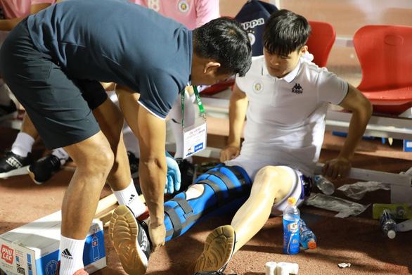 Ông Park lo vá hàng thủ tuyển Việt Nam - Ảnh 1.