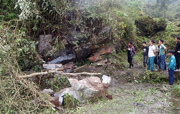 3 người chết, 5.000 nhà hư hỏng do dông lốc, mưa đá và sạt lở đá ở các tỉnh phía Bắc - Ảnh 2.