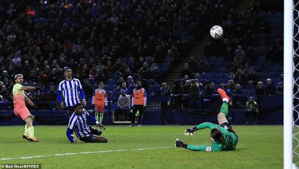 Aguero đưa Man City vào tứ kết Cúp FA, Tottenham bị loại - Ảnh 1.