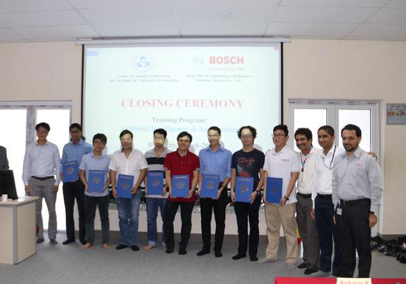 16 học viên tốt nghiệp khóa đào tạo trí tuệ nhân tạo - Ảnh 1.