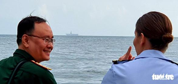 Tàu sân bay USS Theodore Roosevelt của Mỹ đã thả neo ở vịnh Đà Nẵng - Ảnh 1.