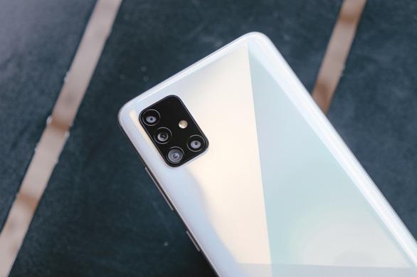 Galaxy A51 bứt phá trên chặng đua công nghệ macro - Ảnh 1.