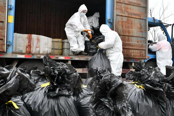 Vũ Hán đau đầu giải quyết núi rác thải y tế - Ảnh 1.