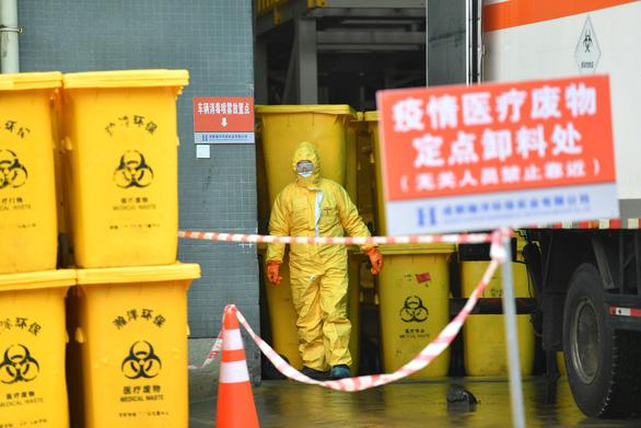 Vũ Hán đau đầu giải quyết núi rác thải y tế - Ảnh 2.