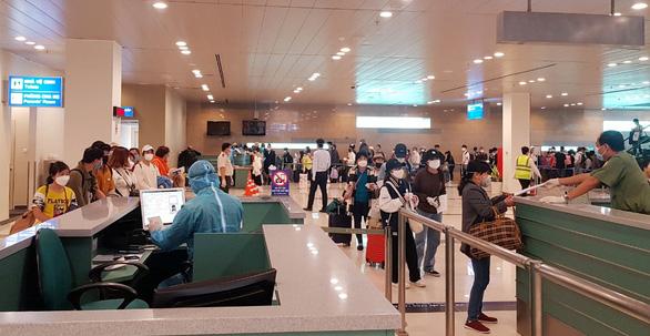 Sân bay Cần Thơ, Vân Đồn ngừng tiếp nhận các chuyến bay từ Hàn Quốc - Ảnh 1.