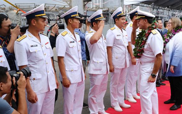 Đô đốc John Aquilino: Việt - Mỹ là đối tác quan trọng của nhau - Ảnh 1.
