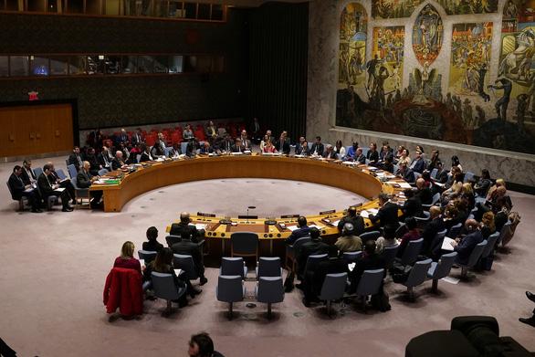 Trung Quốc nhắc Mỹ trả nợ cho Liên Hiệp Quốc, Mỹ bác bỏ: Đừng cố che giấu đại dịch - Ảnh 1.