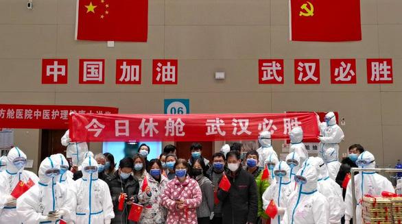 Bệnh viện dã chiến thứ 2 ở Vũ Hán đóng cửa - Ảnh 1.